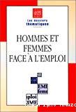 Hommes et femmes face à l'emploi.